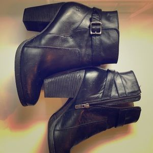 Frye black leather boot